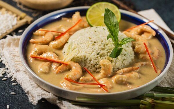 Thai Coconut Curry with Cauliflower Rice